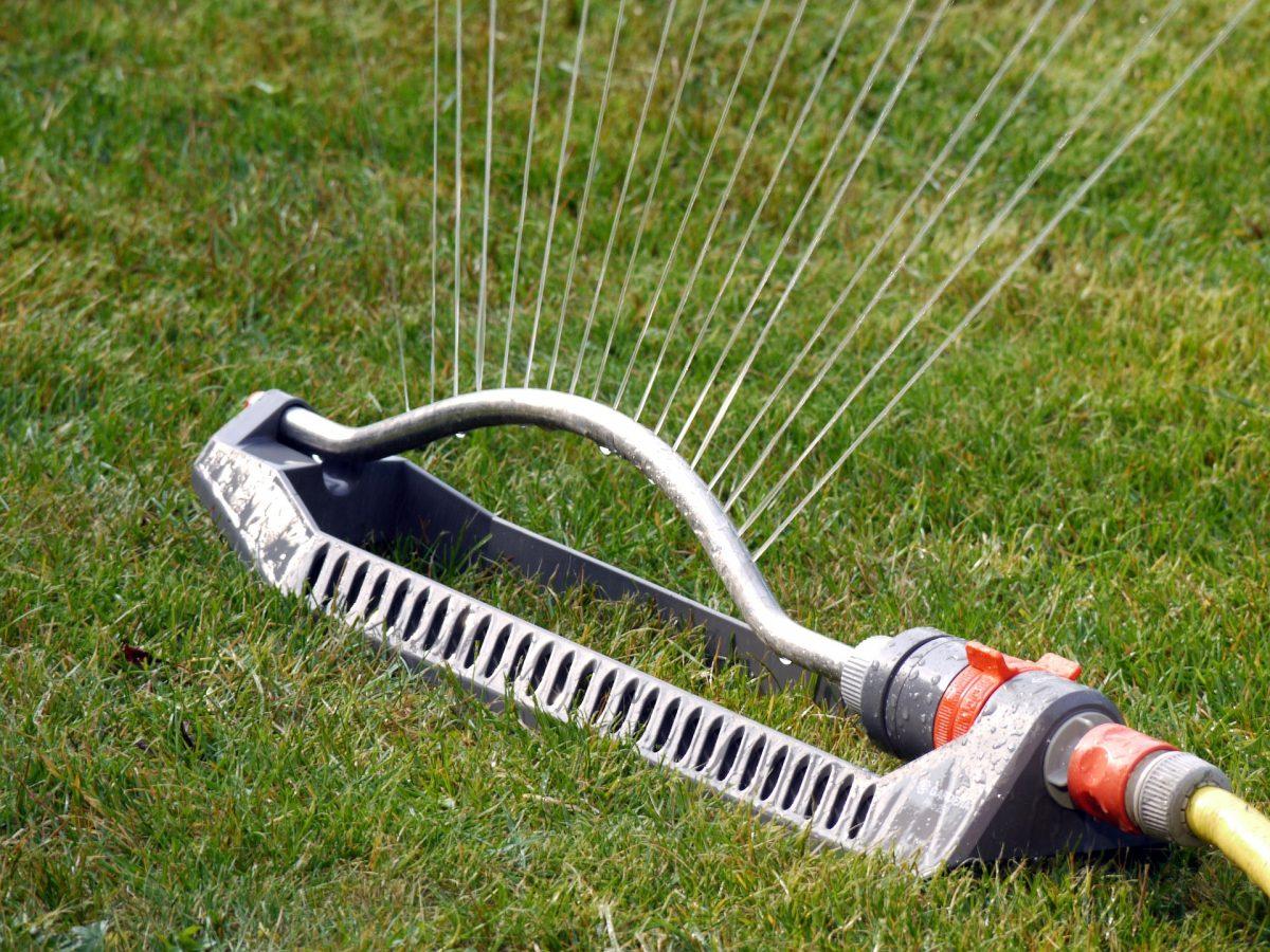 Rasenbewässerung mit Gardena Regner