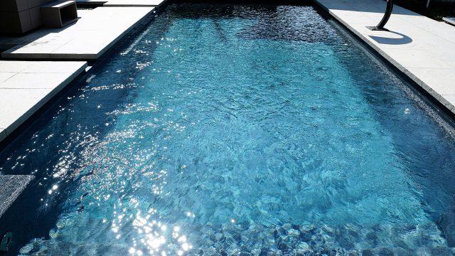 https://www.heimwerk24.de/wp-content/uploads/2018/08/swimming-pool-2235890_1920-640x360.jpg