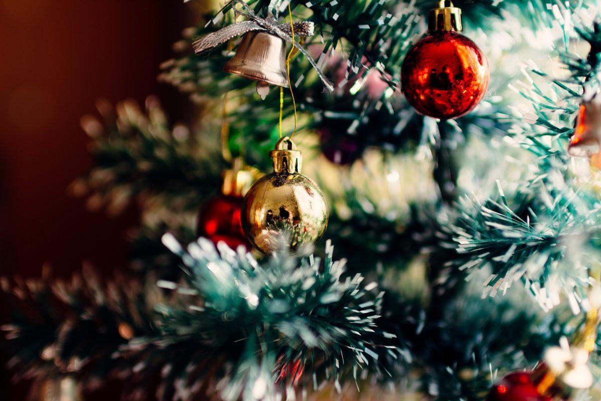 Wie bleibt der Weihnachtsbaum lange frisch?