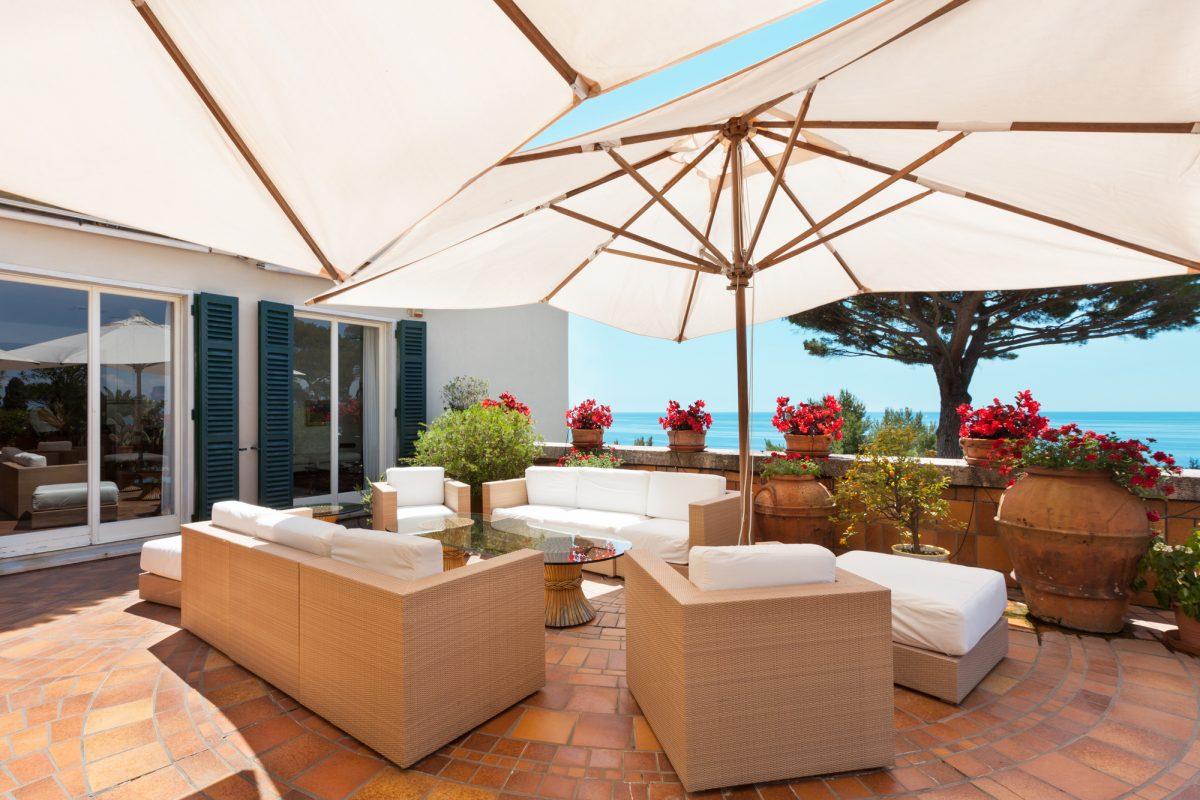 Sonnensegel und Sonnenschirme für Garten und Terrasse